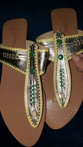 NWOT Rare Sam Edelman thong sandals!